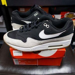 Nike Air Max 1 size 9 black grey